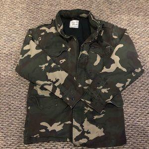 Mens XL Camo Field Jacket with hood